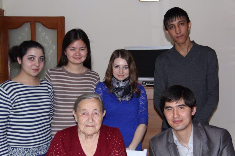 uos ardageri - Студенттердің ҰОС ардагері В. А. Александровамен кездесуі